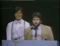 Steve Jobs und Steve Wozniak bei der Präsentation des Apple II (1977)