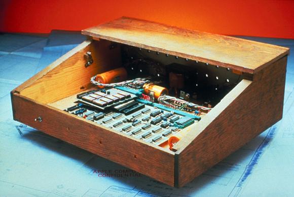 1976: Apple I
