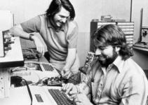 1977: Apple II