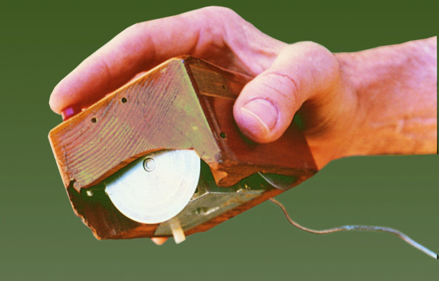 Maus-Entwurf aus Holz von Doug Engelbart