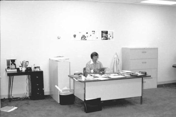 Mike Markkula im Büro von Apple (1977)