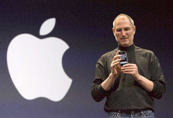 Steve Jobs zeigt das erste iPhone (2007)