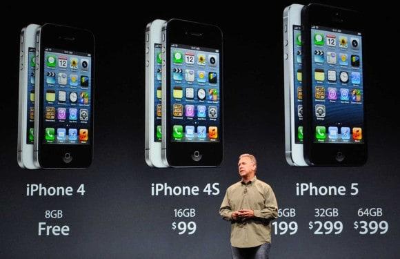Phil Schiller zeigt das neue iPhone 5. Foto: Kyoto/EPA